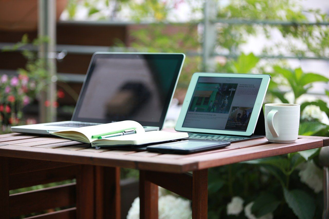 notebook, ipad, freelance