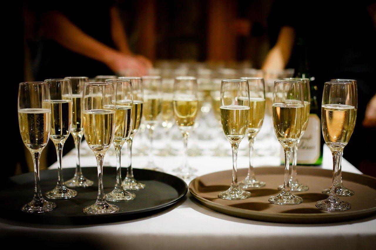 drinks, alcohol, glasses-1283608.jpg
